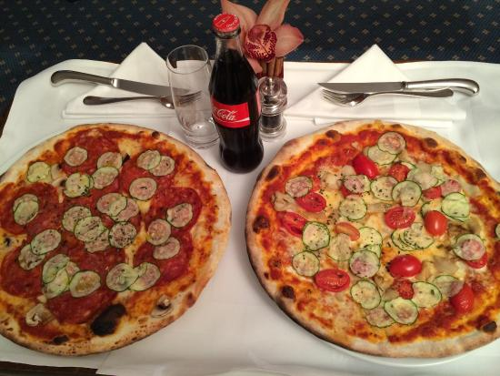Taverne: Delicious take-away pizzas in our hotel room