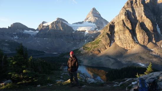 Assiniboine Lodge: Sunrise on the Nublet