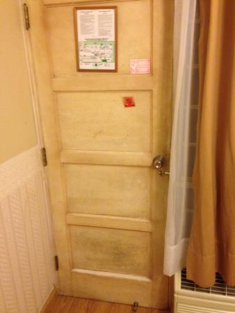 Basadre Suites Boutique Hotel: Porte d'entrée de notre chambre