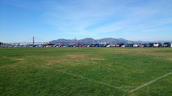 Marina Inn: Parque com vista da Golden Gate