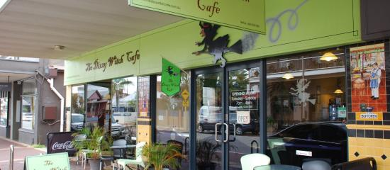 The Dizzy Witch Cafe: The Shop Front