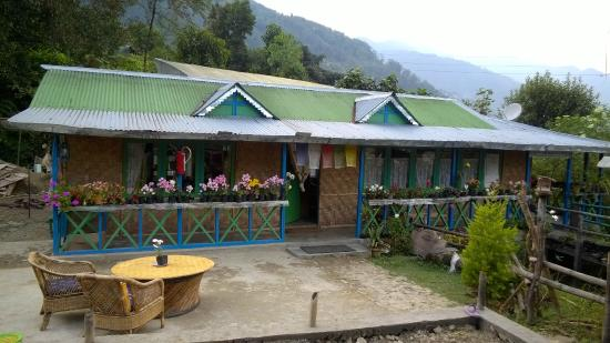 The main lounge - Picture of Dara Gaon Village Retreat