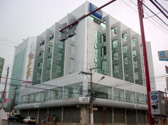 Oscar Hotel Executive: Fachada do hotel no centro da cidade