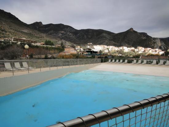 Vistas desde la piscina de olas fotograf a de balneario for Balneario de fortuna precios piscina
