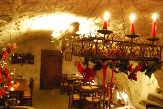 Winzerkeller-Restaurant-Meissen: 3 urige Kellergewölbe aus dem 11., 13. und 15. Jahrhundert