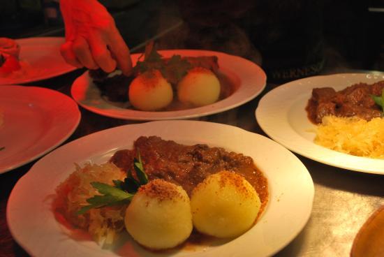 Winzerkeller-Restaurant-Meissen: Regionale Küche mit frisch zubereiteten Gerichten...