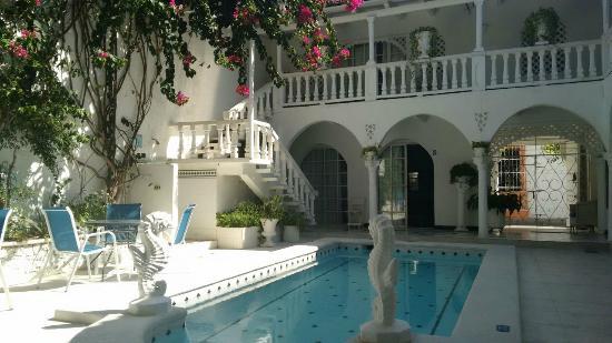 Hostal Casa Mara : Área da piscina