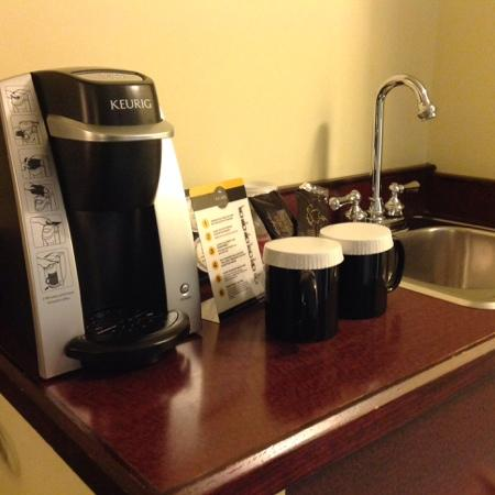 Ramada Plaza Calgary Airport Hotel and Conference Centre: keurig!