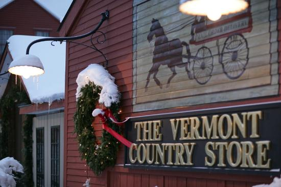 Vermont Country Store: Snow in Weston at Christmas time!
