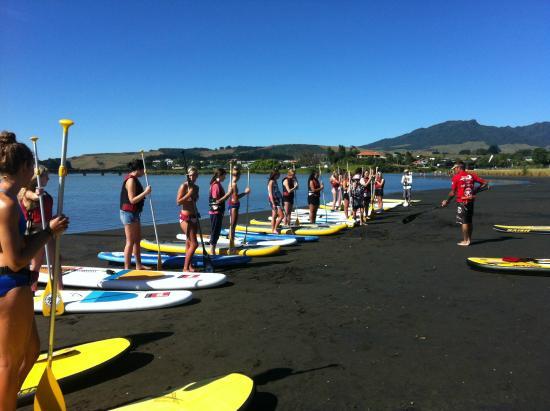 Raglan Paddleboarding: Professional instruction given