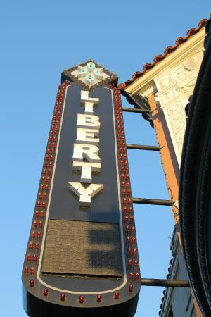 ‪Liberty Theater‬