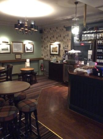Kings Head Hotel: bar area