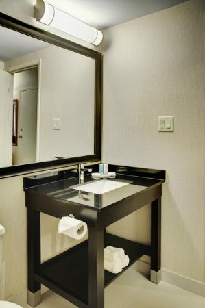 Comfort Inn - Truro: New modern bathroom