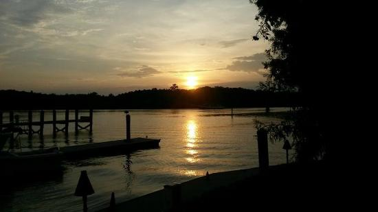 K-Rae's Waterway Bar & Grille : Sunset from our deck