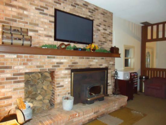 Henniker, Nueva Hampshire: Fireplace Room