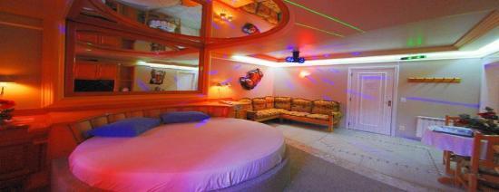 Motel Avenida: Luxo em Gramado