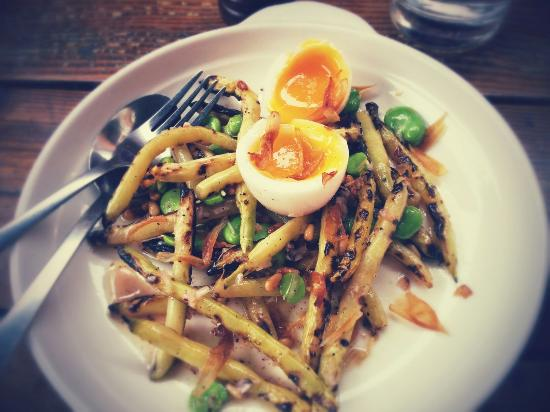 Bayte: Sauteed beans and duck egg