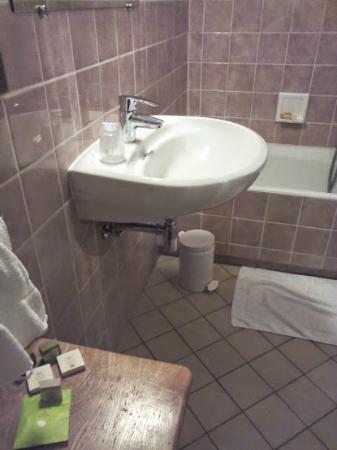 Hôtel du Herrenstein : Salle de bain