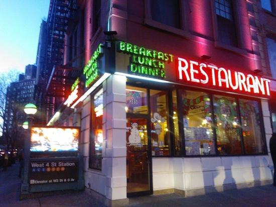 Waverly Restaurant: village west 4 St