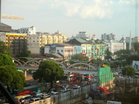 Clover City Center: View from my room on the 4th floor. The road that can be seen is Sule Pagoda Road.