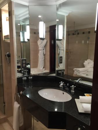 Hyatt Regency Casablanca: Washroom 1