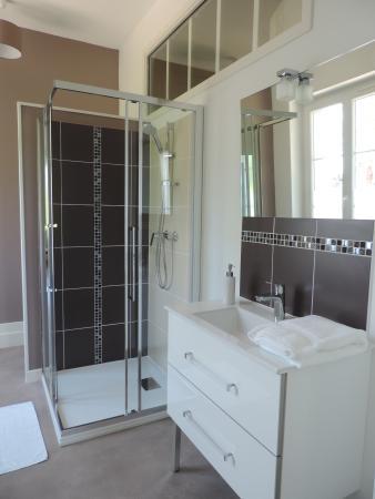 Cedre et Charme: Salle de bain Romance