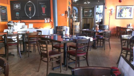 San Chez a Tapas Bistro : A view of the dining area