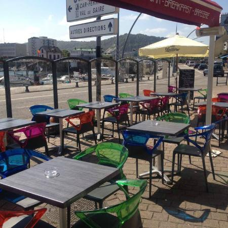 terrasse fotograf a de cafe du port cherbourg tripadvisor. Black Bedroom Furniture Sets. Home Design Ideas