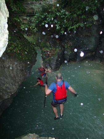 Cyan Adventures: small cliff jump