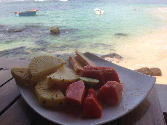 Sun'n'Sea Hotel: легкий завтрак