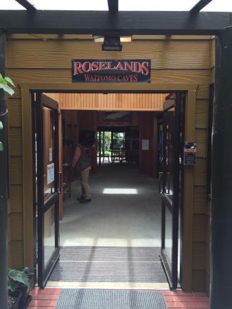 Roselands Waitomo Caves: クッキーおすすめです
