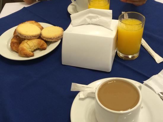 Royal Hotel : Desayuno en Hotel Royal , Colonia , Uruguay.