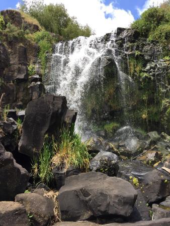Wrights Watergardens: Waterfall!
