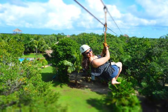 Ecoparque Cuzam: Ziplining (Photo credits don't go to me)
