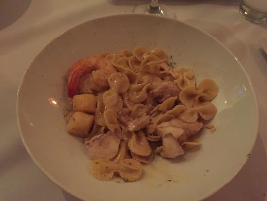 Lisa Bella's Bistro & Java Bar: Seafood pasta.. Spilt dish