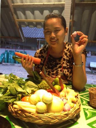 Napalai Thai Cuisine School: Bunny in action