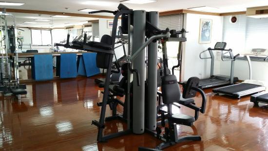 Trinity Silom Hotel: Well equiped gym