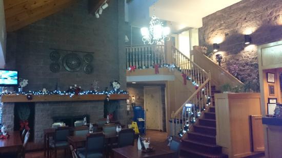 Travelodge North Bay Lakeshore: the lobby