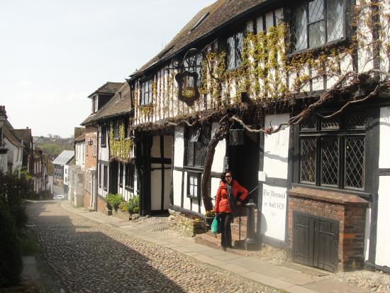 The Mermaid Inn: Re-built in 1420!