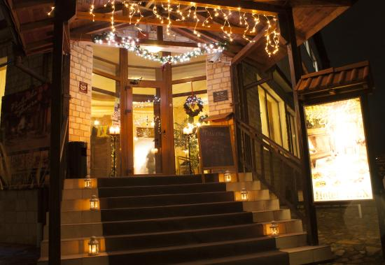 Hotel Alex: The holidays are here!