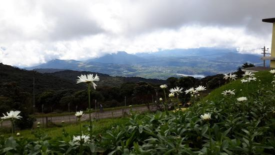 Nuwara Eliya, Sri Lanka : view from the summit of the island nation