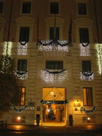 Rose Garden Palace: FACADE DE L'HOTEL