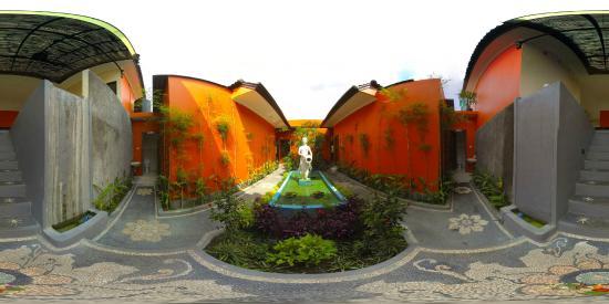 Putri Ubud Spa 2: the fountain
