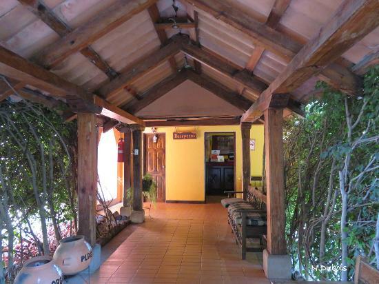Hotel Posada de Don Rodrigo Panajachel: La réception