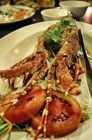 Krua Thara: Baked lobster at 1500bht