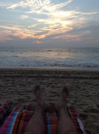 Stringfellows Beach Shack: sundown @String Fellos