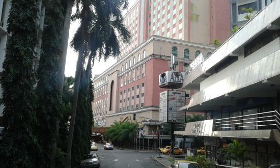 Veneto Hotel & Casino: vue de rue