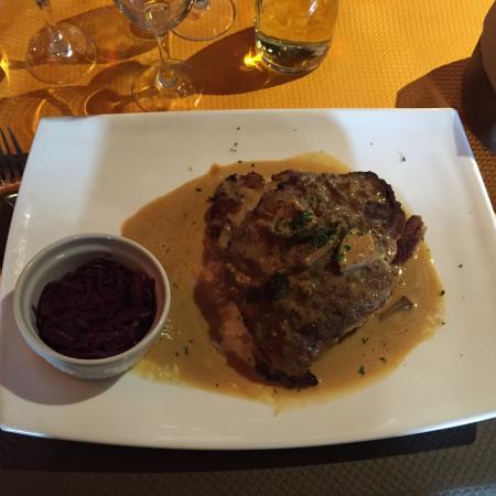 Restaurant de la Tour : Cordon bleu de veau au Munster