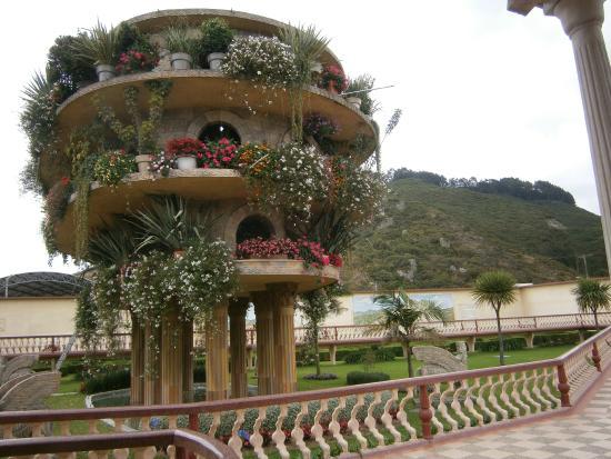 Hanging Gardens Of Babylon Picture Of Parque Jaime Duque Tocancipa Tripadvisor