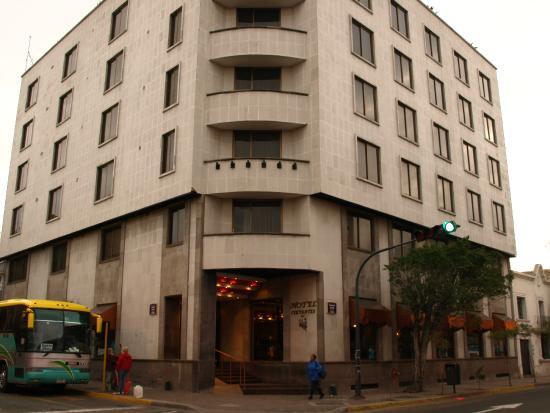 Hotel Cervantes: front entrance